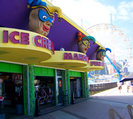 Daytona Beach Boardwalk Featuring Joyland Amut Center Mardi Gras Fun Pizza King Lisa S Gift